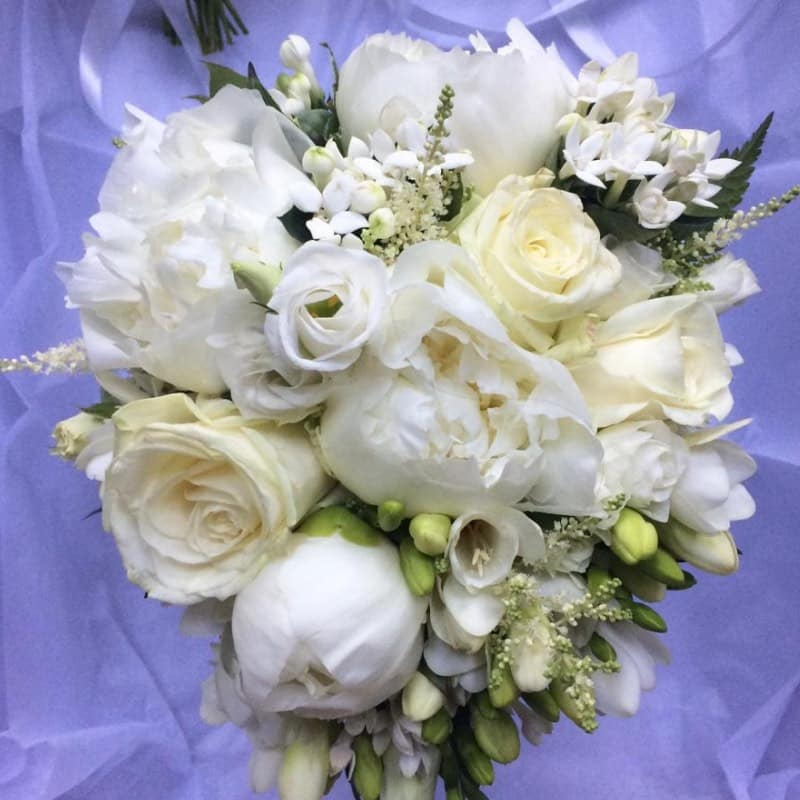 Bridal Bouquet Whites Close Up