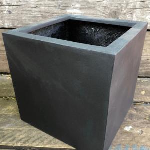 black poly cube
