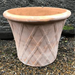 lattice terracotta pot
