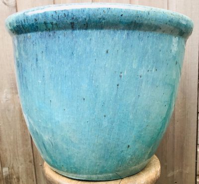 turquoise glazed pot with rim detail